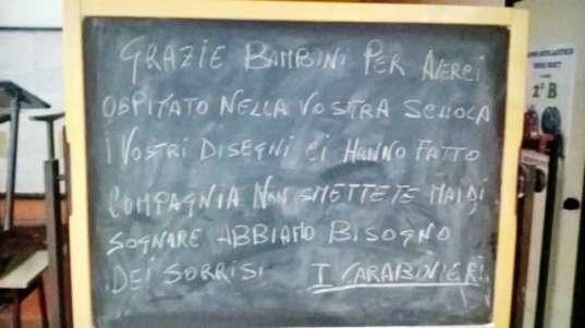 Messaggio carabinieri bambina scuola materna